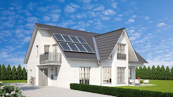 Solaranlage auf Haus mit Garten